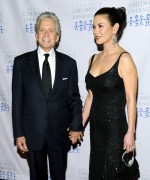 Кэтрин Зета Джонс, фото 2225. Catherine Zeta Jones-Catherine Zeta Jones - Children At Heart gala dinner in New York 21/11/11, foto 2225