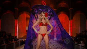 The Victoria's Secret Fashion Show 2011 1080i HDTV MPEG-2 DD5.1-TrollHD