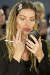Жизель Бундхен, фото 2308. Gisele Bundchen prepares backstage at the Alexander Wang Fall 2012, february 11, foto 2308