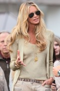Эль Макферсон, фото 1065. Elle MacPherson at The Grove to appear on the programme 'Extra', february 20, foto 1065