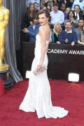 Милла Йовович, фото 2006. Milla Jovovich 84th Annual Academy Awards - February 26, 2012, foto 2006
