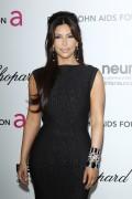 Ким Кардашиан, фото 7959. Kim Kardashian Elton John AIDS Foundation Academy Awards Party - 02/26/12*with sister Kourtney, foto 7959,