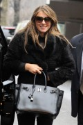 Элизабет Харли, фото 2333. Elizabeth Hurley leaving a restaurant in NYC 01.03.12, foto 2333