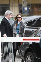 Миранда Керр, фото 3756. Miranda Kerr - arriving at the Miu Miu runway show, Paris - March 7, foto 3756