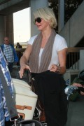 Камерон Диаз, фото 4971. Cameron Diaz at LAX Airport, March 8, foto 4971