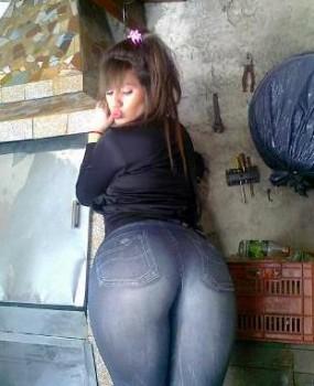 prostituta culona ligado